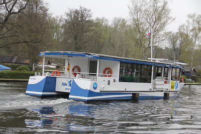BVG Fahr Bar 4 from Krugasse Pier 3 Apr 16