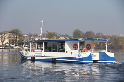 BVG Fahr Bar 2 departing Wendenschloss Pier 2 Apr 16