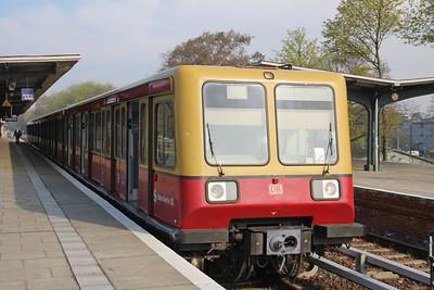 Deutsche Bahn 485 xxx Grunau S_Bahnhof Berlin Apr 16