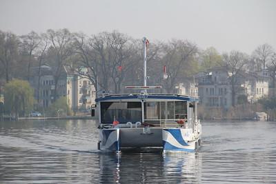 BVG Fahr Bar 2 approaching Wassersportallee Pier Berlin 2 Apr 16