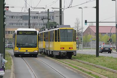 Der Sudender Berlin 8654-BVG 6101 Adlershof S_Bahnhof Apr 16