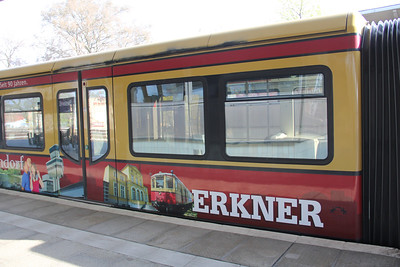 Deutsche Bahn 485 xxx artwork Grunau S_Bahnhof Berlin Apr 16